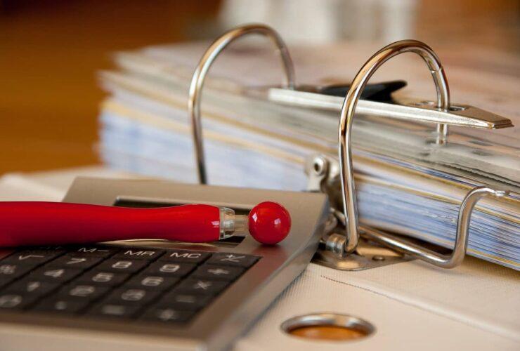 Calcolatrice-fatture-contabilità-Iva-lavoro